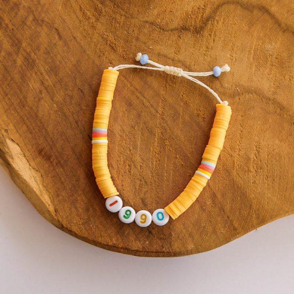 bracelet perles heishi lettres